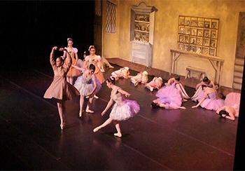 Dancing Ballet